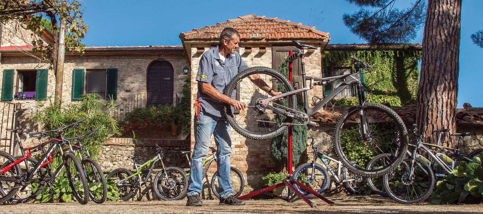 Radtouranbieter in der Toscana: mtbeer-Bikeschule & Solution.
